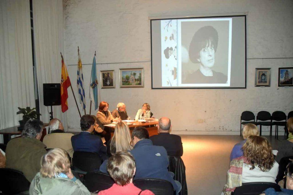 Acto en el Patronato da Cultura Galega de Montevideo.