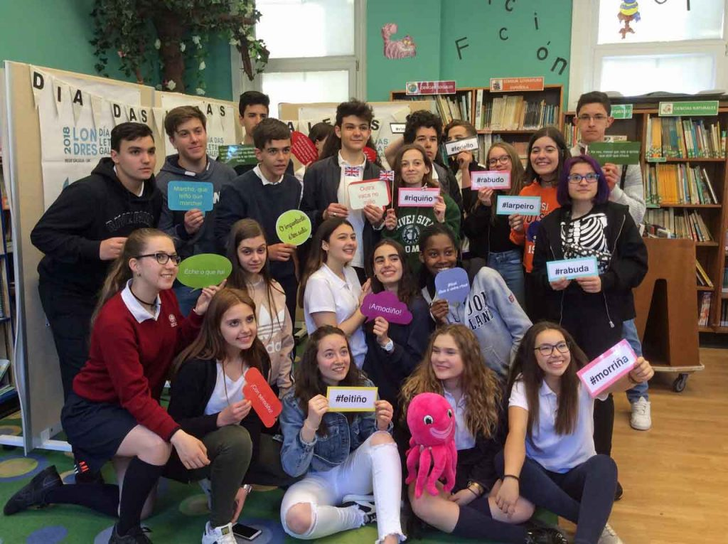 Alumnos de ambos institutos celebraron el Día das Letras Galegas.