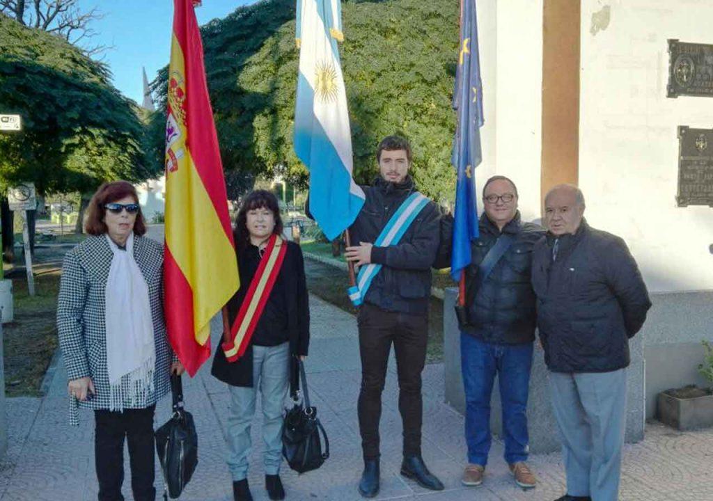 Abanderados de la Asociación Española.