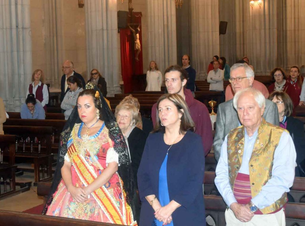 Algunos de los asistentes a la misa.