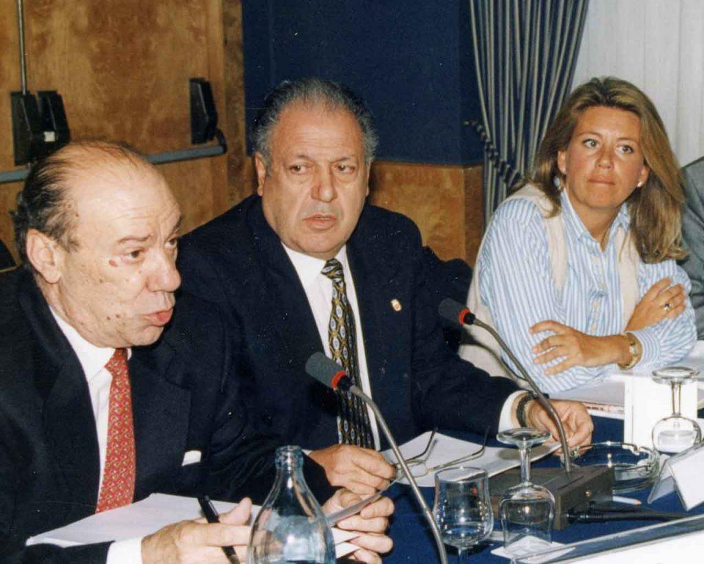 José Luis Rodríguez Pardo, Felipe Andreu y Ángeles Muñoz en un pleno del Consejo General de la Emigración.