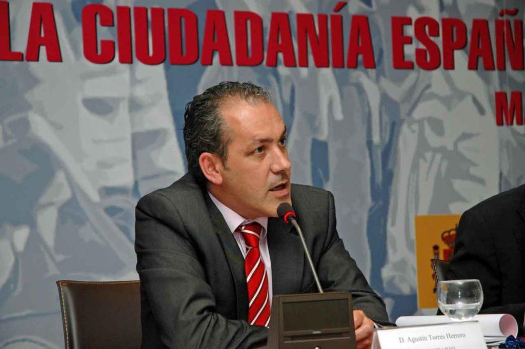 Agustín Torres en el III Pleno del V Mandato del CGCEE celebrado en junio de 2009.