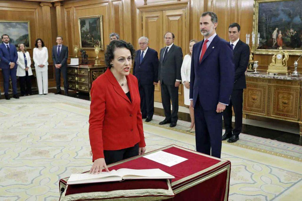 La nueva ministra de Trabajo, Migraciones  Seguridad Social, Magdalena Valerio, prometió su cargo ante el Rey.