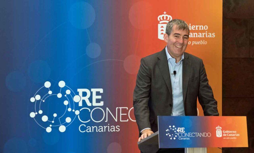 Fernando Clavijo en un momento de la presentación.