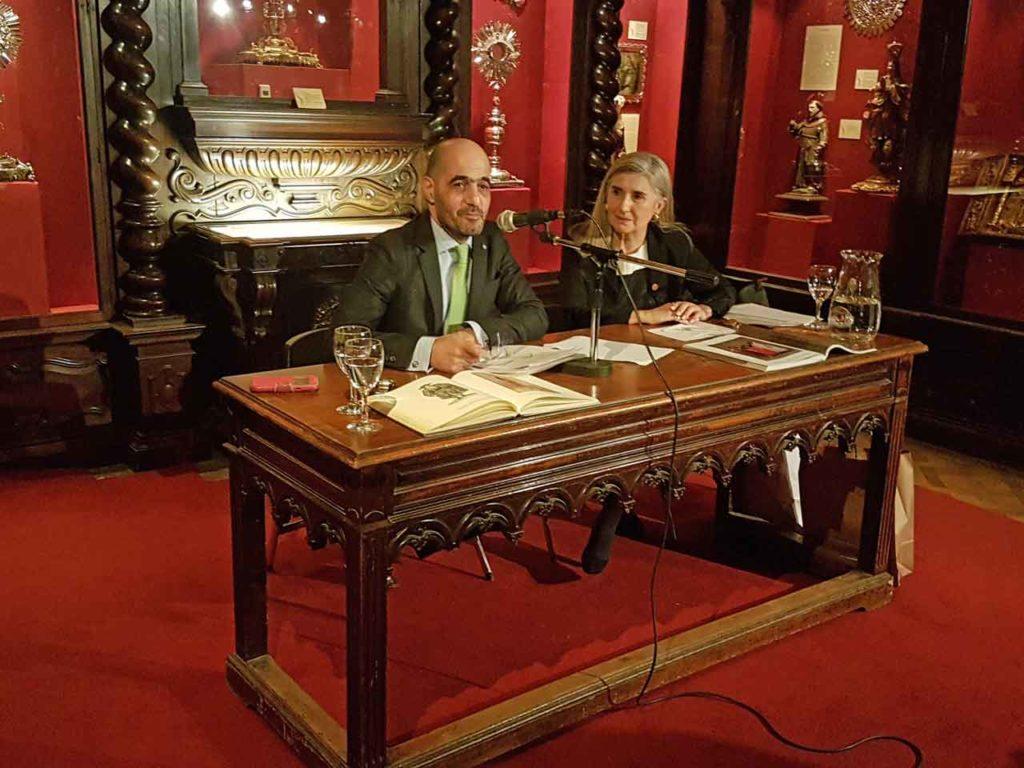 D'Aloia y Fuentes en un momento de la conferencia.
