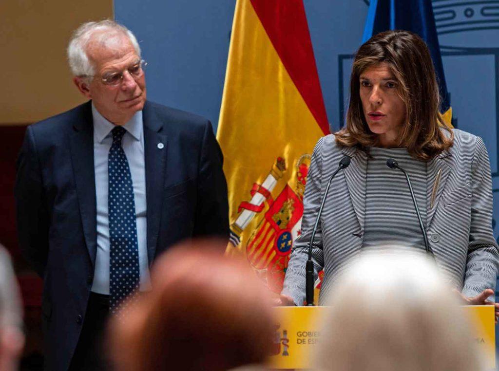 Josep Borrell acudió a la toma de posesión de Ángeles Moreno.