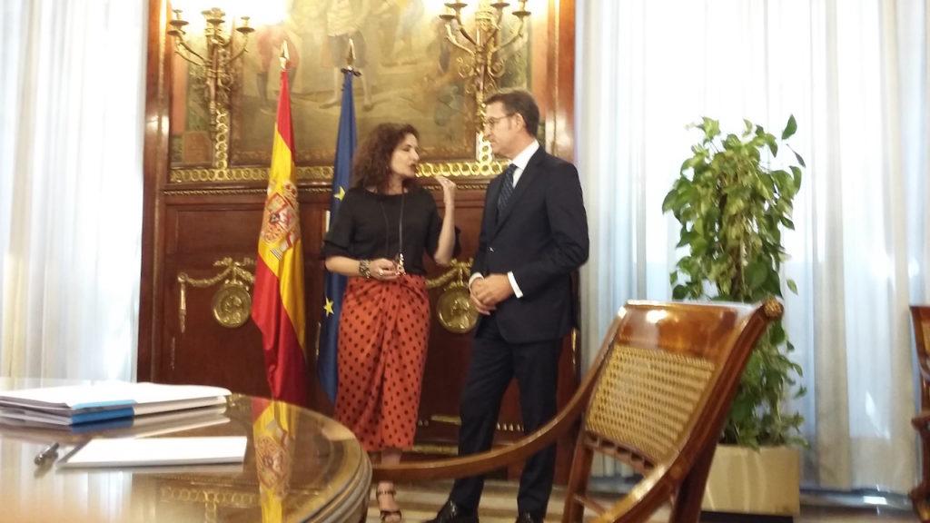 La ministra María Jesús Montero recibió al presidente Alberto Núñez Feijóo en Madrid.