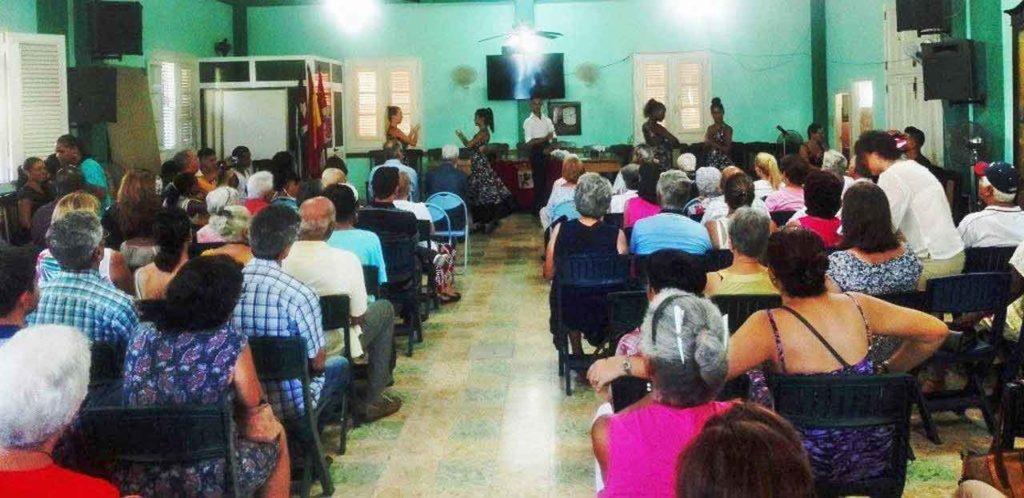 Un momento de la gala cultural por el 104° aniversario de la Colonia Leonesa de Cuba.