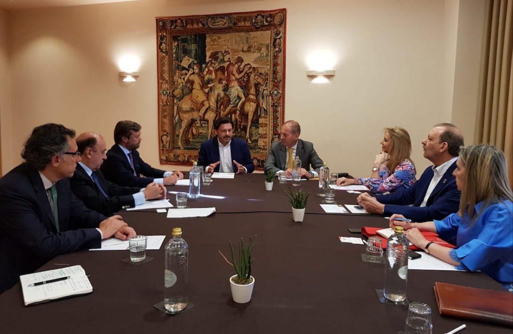 Rodríguez Miranda se reunió con empresarios gallegos en el exterior.