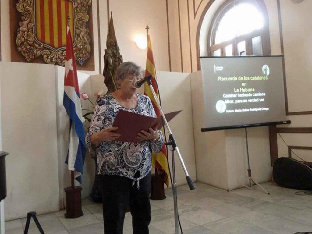 La presidenta de 'Naturales de Cataluña', María Dolores Rosich, pronunció las palabras de apertura.