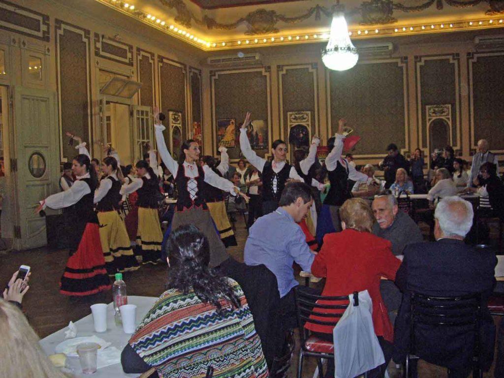 El público disfrutó de la actuación del cuerpo de baile de la institución