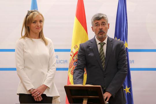 La conselleira de Política Social, Fabiola García Martínez, presidió la toma de posesión del nuevo director xeral de Maiores e Persoas con Discapacidade, Ildefonso de la Campa.