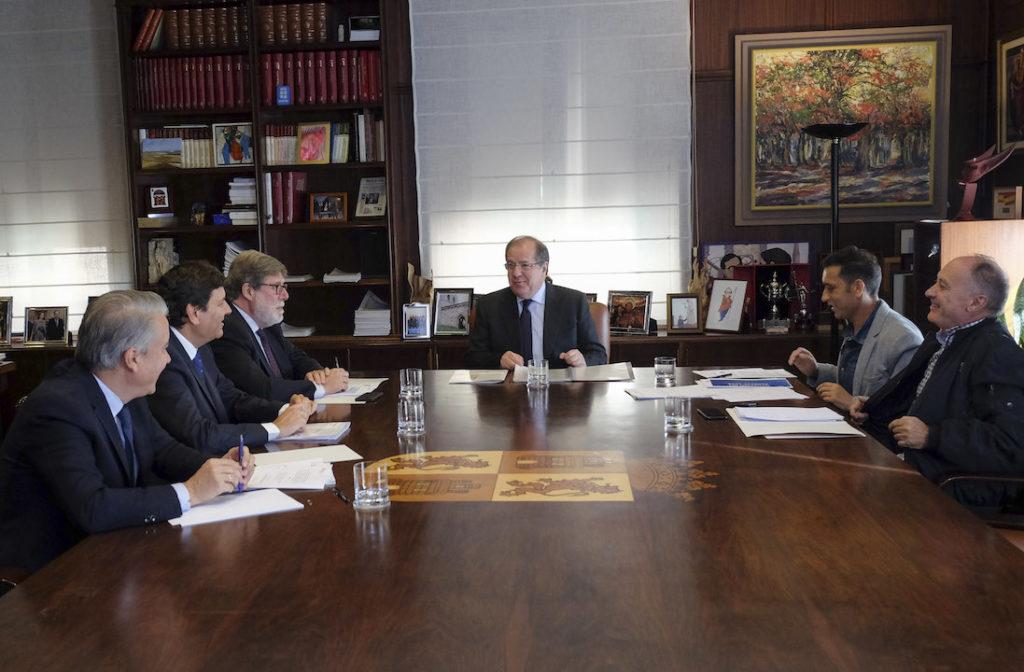 El presidente de la Junta de Castilla y León, Juan Vicente Herrera, presidió el pasado 2 de octubre la reunión del Consejo de Diálogo Social.