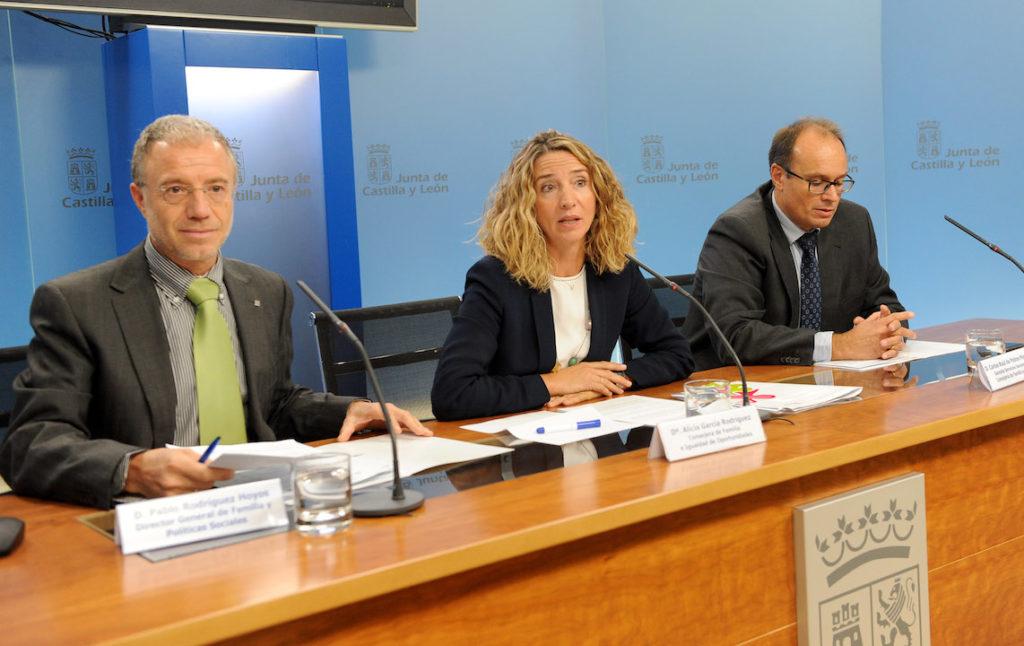 La consejera de Familia e Igualdad de Oportunidades, Alicia García, hizo balance del Plan.