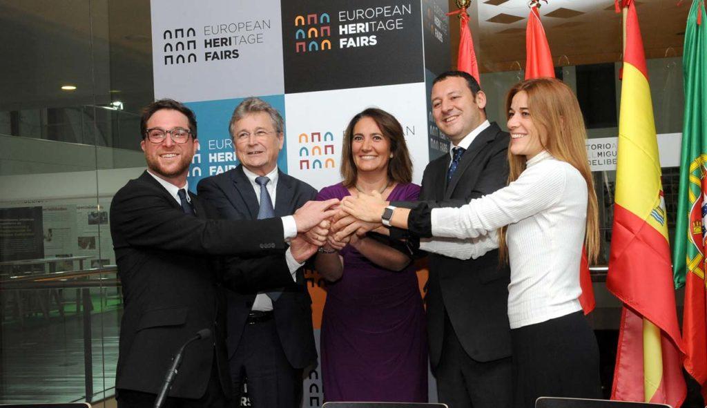 La consejera de Cultura y Turismo, María Josefa García Cirac, firmó el acuerdo con Emanuele Amodei (Florencia), Catarina Valença (Portugal) y Michael Schweigebauer y Ronald Gobiet (Salzburgo).