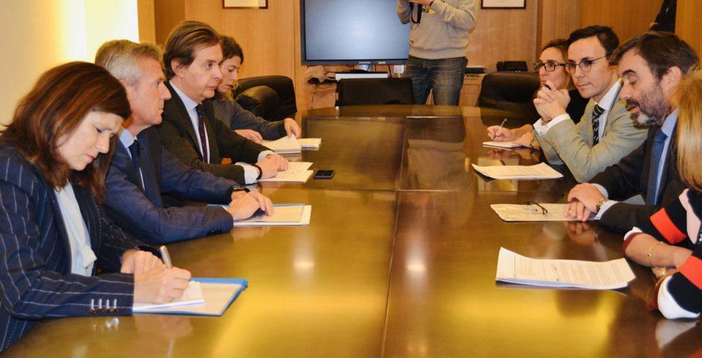 El vicepresidente de la Xunta, Alfonso Rueda, mantuvo una reunión con el embajador representante permanente de España ante la UE, Pablo García-Berdoy.