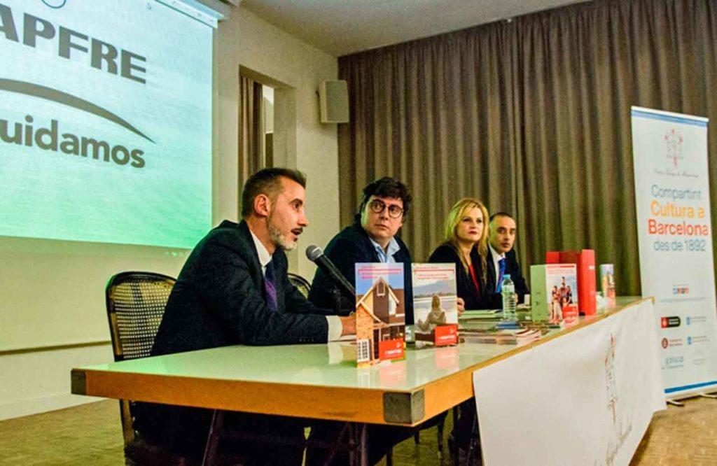 Juan Barcia y Carlos Mandianes en la presentación del acuerdo con Mapfre.