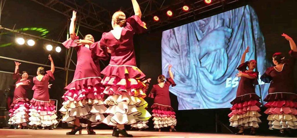 Actuación del ballet de la Asociación Española.