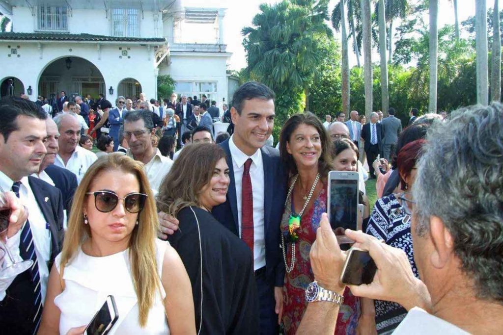 Pedro Sánchez recibió el cariño de los españoles en Cuba.