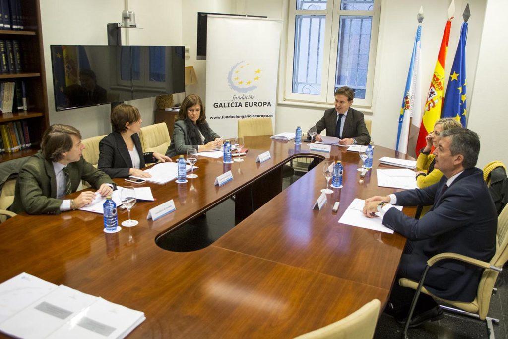 El director xeral de Relacións Exteriores e coa UE, Jesús Gamallo presidió la reunión del año del patronato de la Fundación Galicia Europa (FGE).