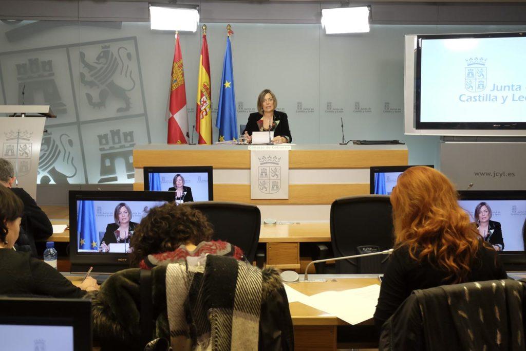 Imagen de la rueda de prensa ofrecida tras la reunión del Consejo de Gobierno por la portavoz de la Junta de Castilla y León, Milagros Marcos.