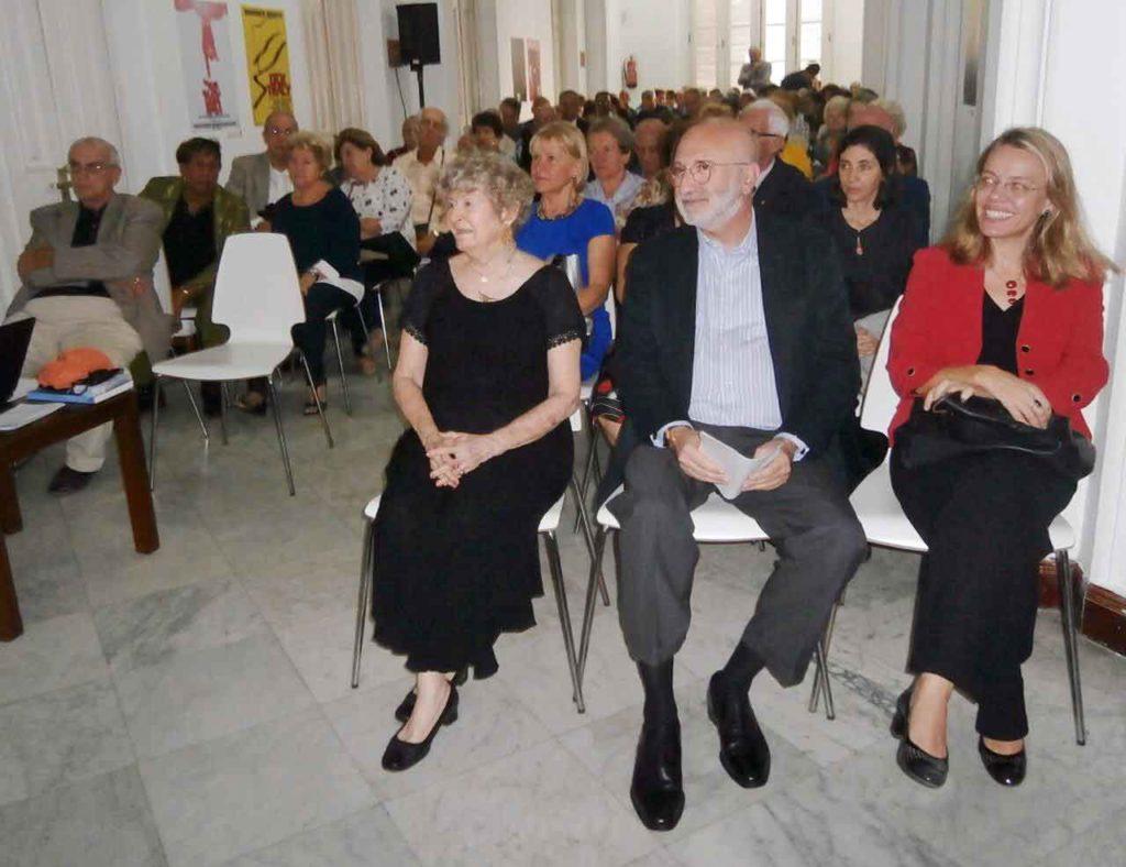 En primera fila Carmen Almodóvar, Juan Fernández Trigo y Nuria Reigosa.