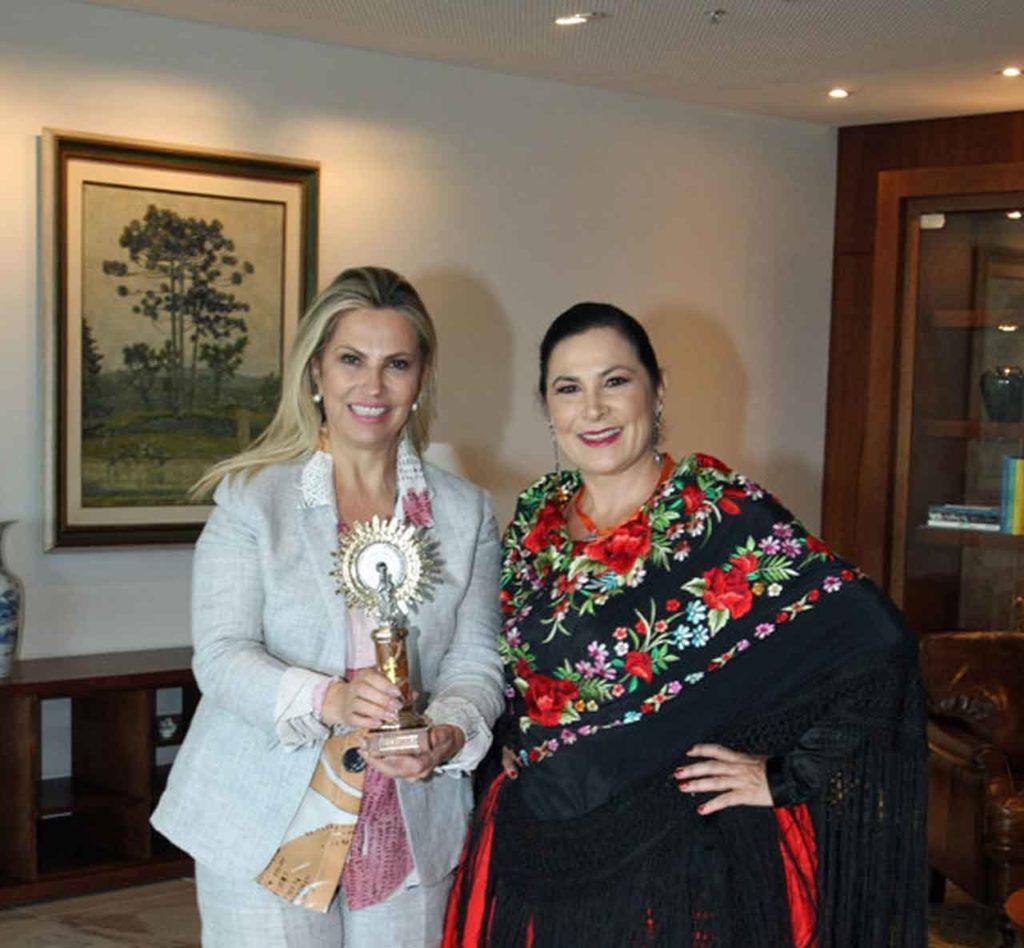 Cida Borguetti y Blanca Hernando.