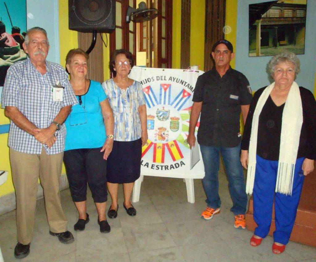 Participantes en los eventos literarios 'Encuentro con nuestras raíces'.