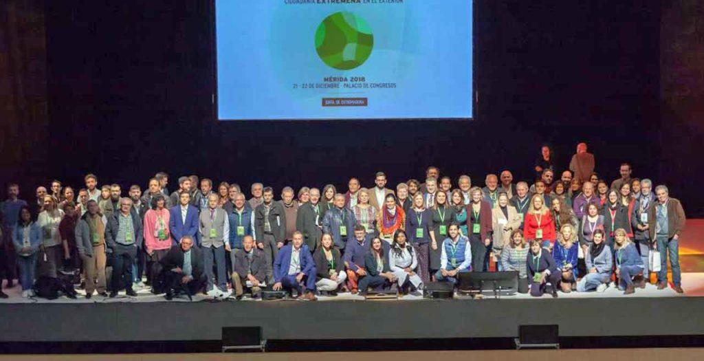 Foto de famlia de los participantes en el Congreso.