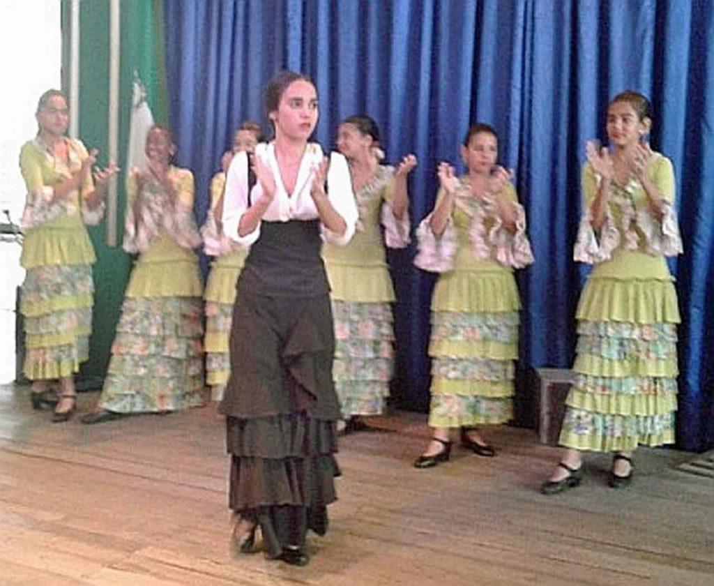 Actuación de la Escuela de Baile del Centro Andaluz de La Habana.
