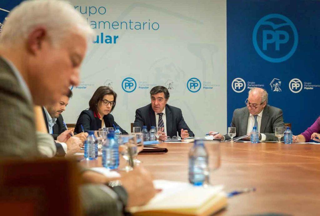 Rodríguez Miranda, Ana Vázquez, José Antonio Bermúdez de Castro y Juan Carlos Vera en la reunión del PP.