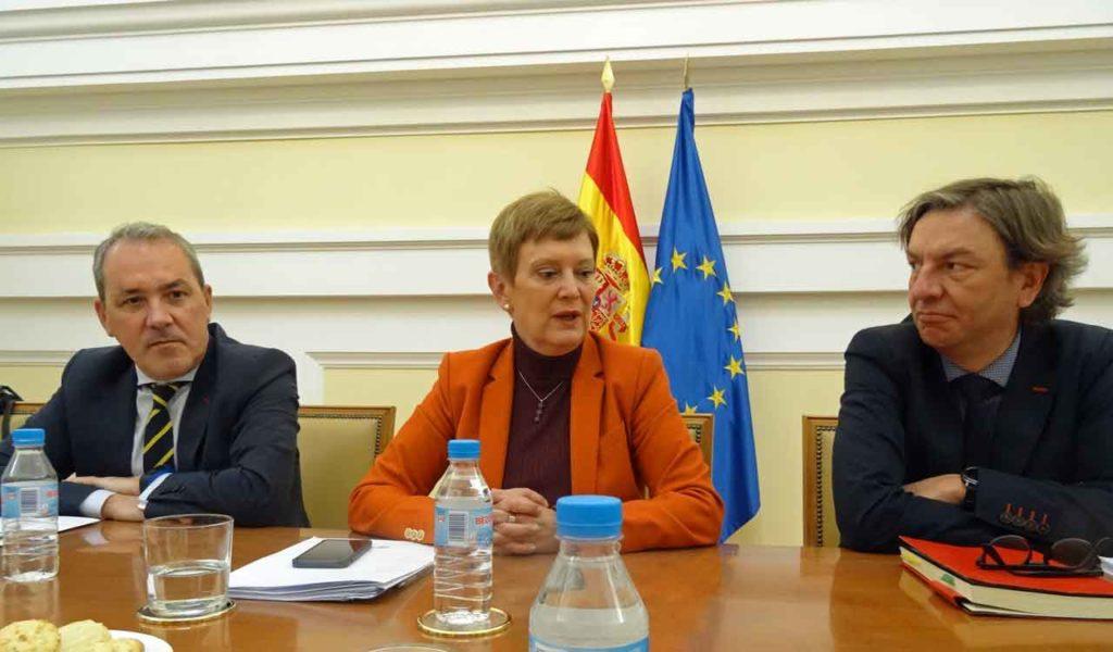 Agustín Torres, Consuelo Rumí y José Alarcón durante el encuentro con la prensa.