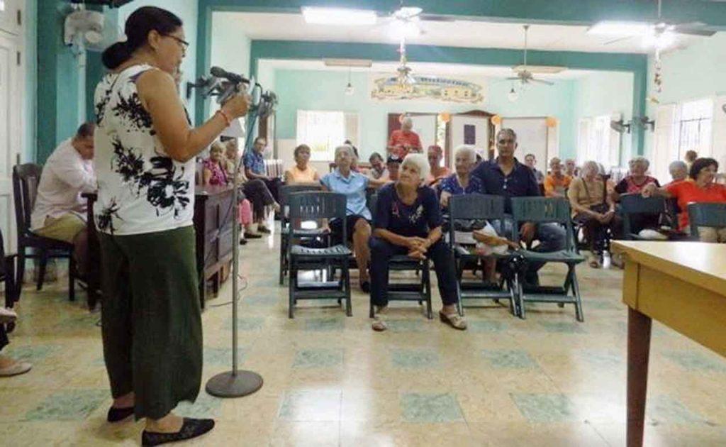 El Club Villarino conmemoró con una velada el Día Internacional contra la violencia de género.