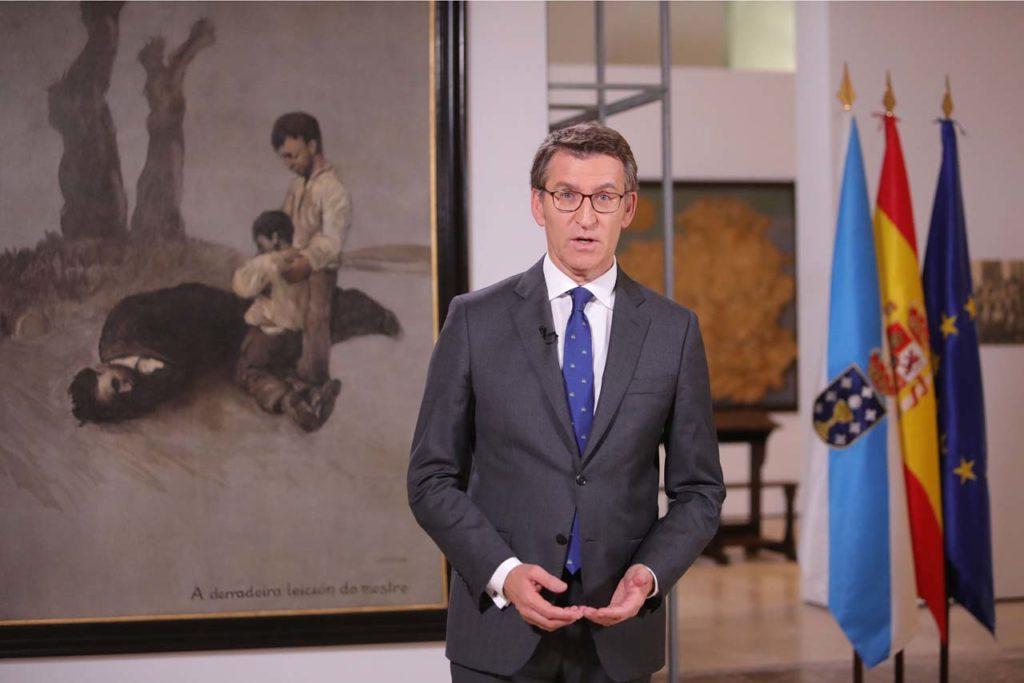 El presidente Alberto Núñez Feijóo dirigió su Mensaje de Fin de Año a los gallegos ante el cuadro 'A derradeira leición do mestre', de Castelao.