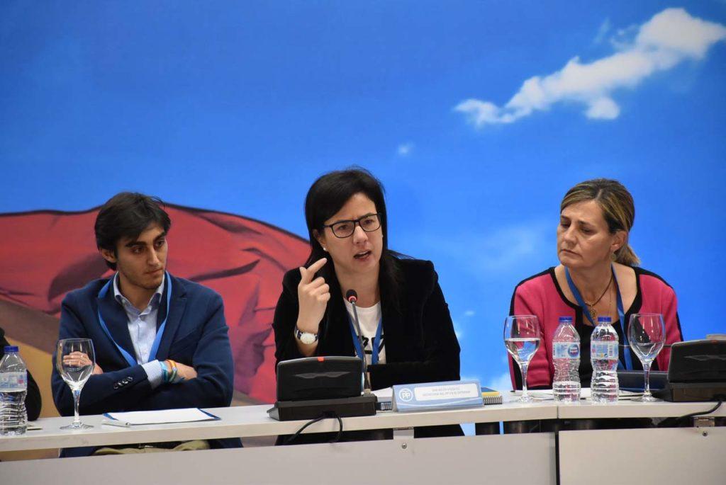 La secretaria de Emigración del PP, Ana Vázquez.