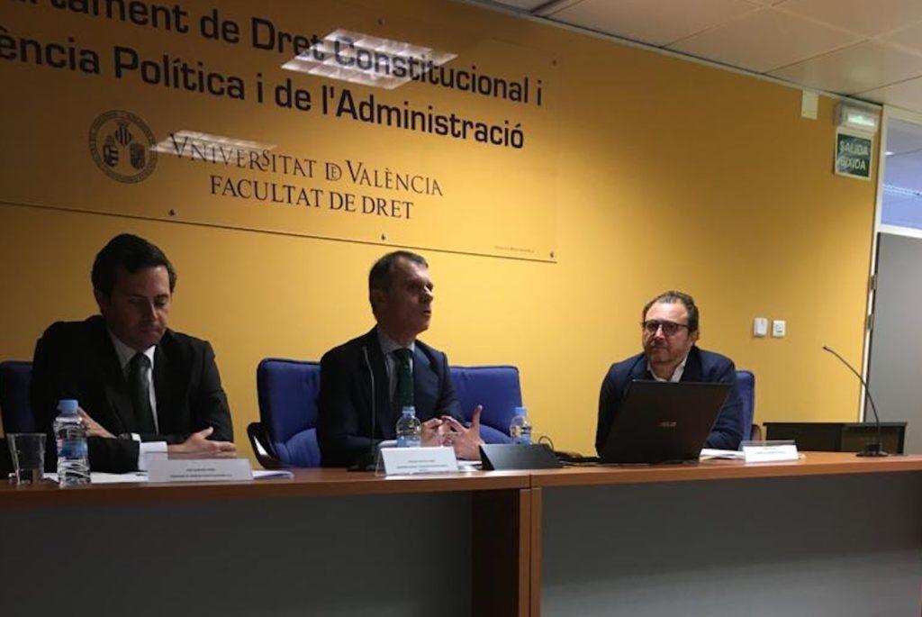 José Manuel Herrero (centro) en su intervención en el curso celebrado en Valencia.