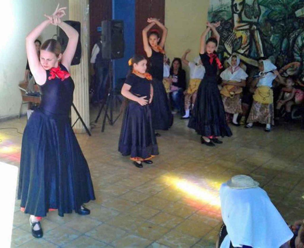En la actividad participó el grupo de Danzas «Aires de España».