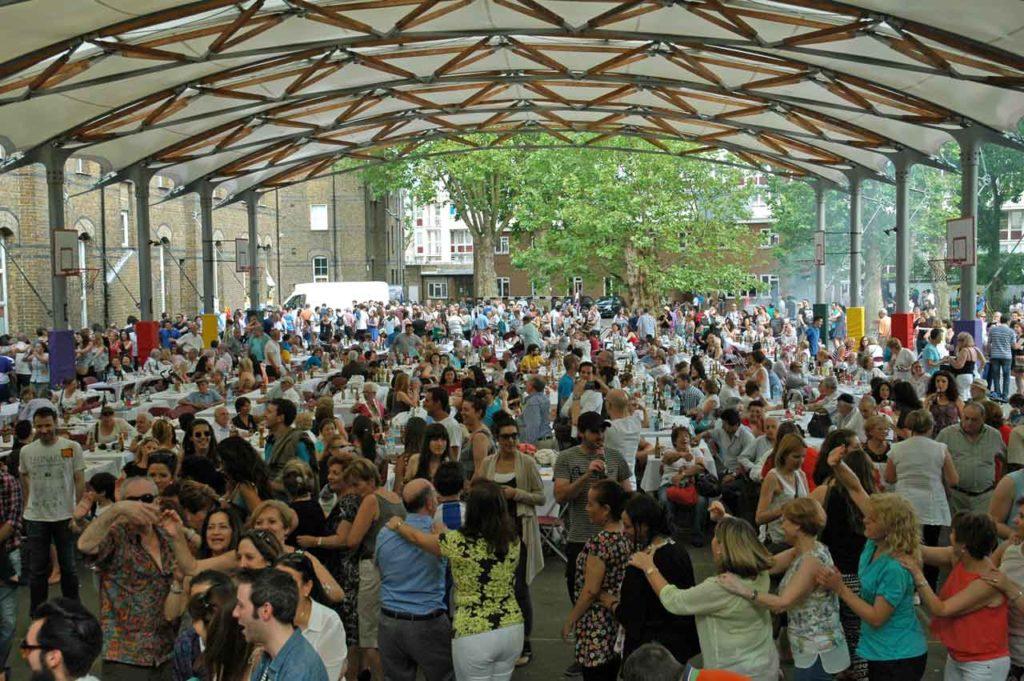 Más de mil personas acuden a la celebración del Día de Galicia en Londres organizada por el Centro Gallego.