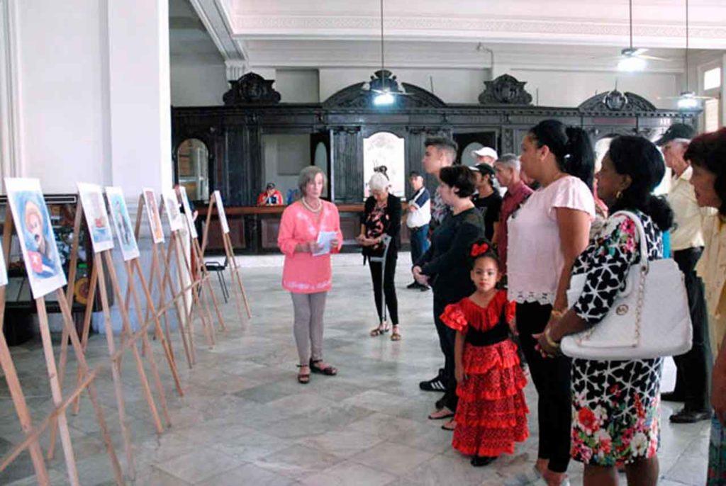 La presidenta, Marina P. García Moreira, dejó inaugurada la exposición 'Martí y su Habana'.