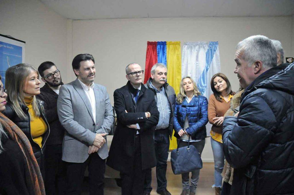 Antonio Rodríguez Miranda y Jesús Vázquez en la visita a la Federación de Venezolanos en Galicia (Fevega) en Ourense.