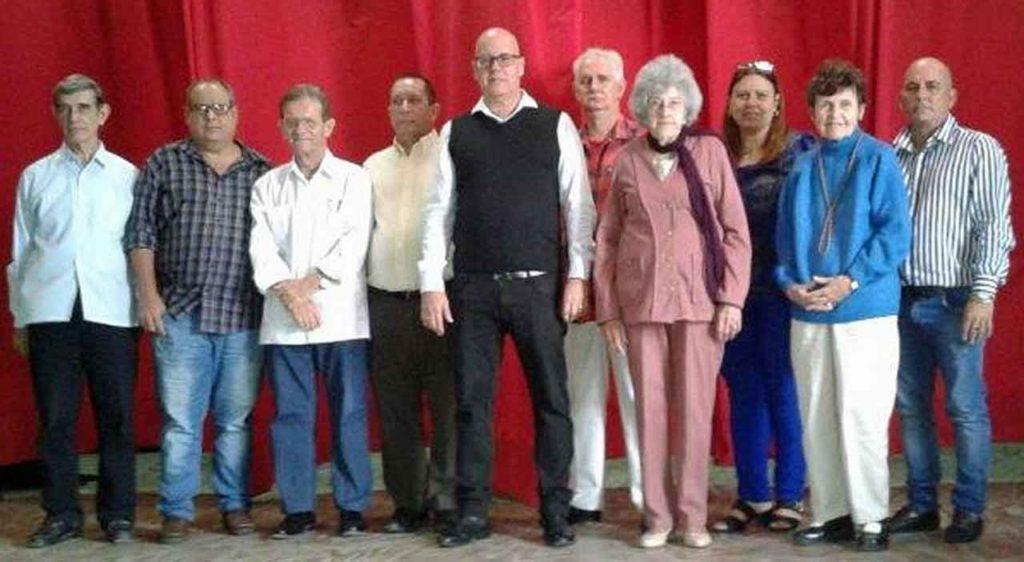 Sergio Toledo, en el centro, con el resto de la directiva de la FSGC.