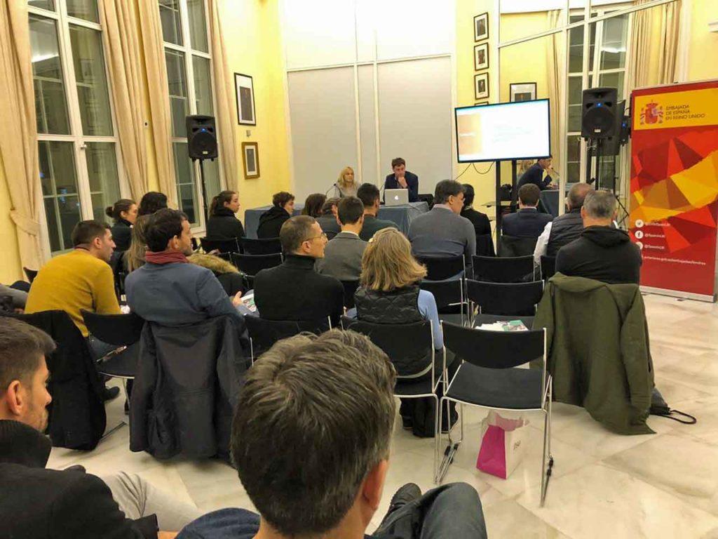 Sesión informativa sobre el brexit organizada por la Embajada de España en Londres.