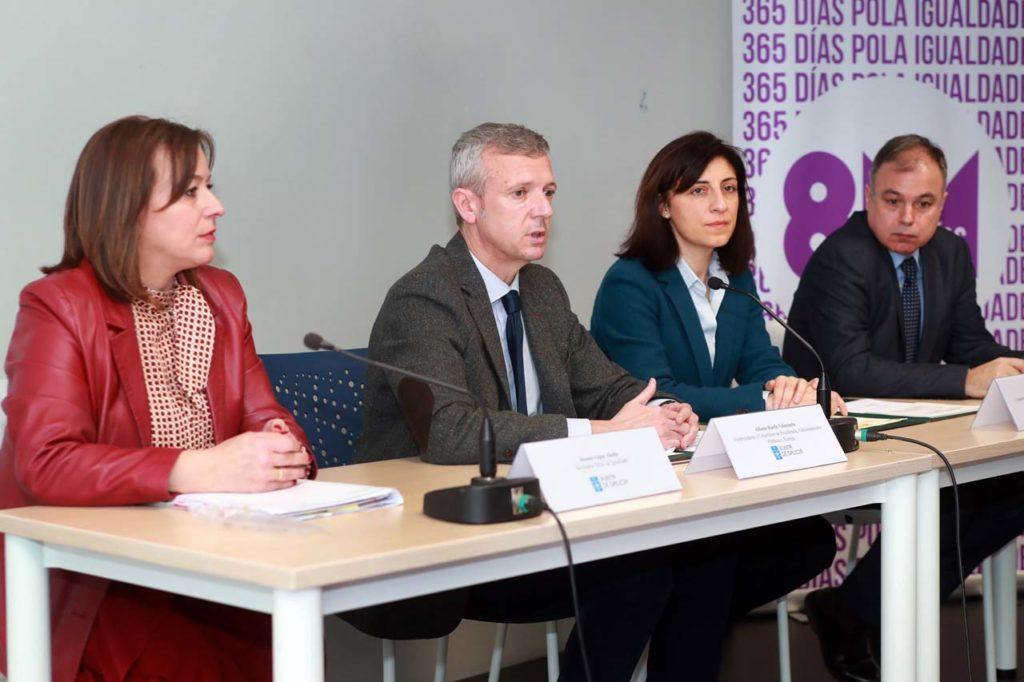 El vicepresidente de la Xunta, Alfonso Rueda, y la conselleira de Vivenda, Ángeles Vázquez, ratificaron este acuerdo en el marco del Pacto de Estado.
