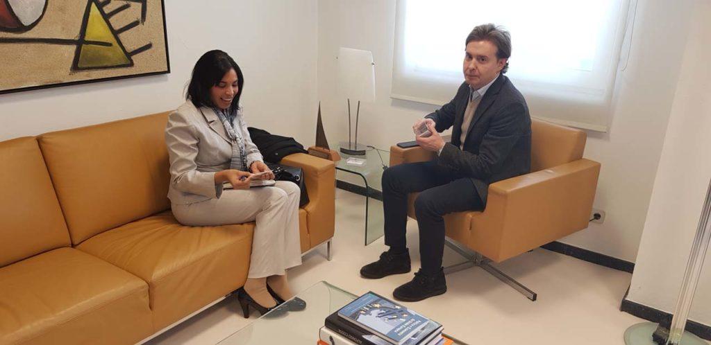 Jesús Gamallo y Yahima Martínez Millán, en su reunión.