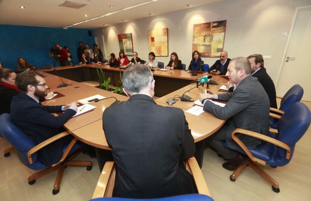 Un momento de la presentación a cargo de Juan Cividanes.
