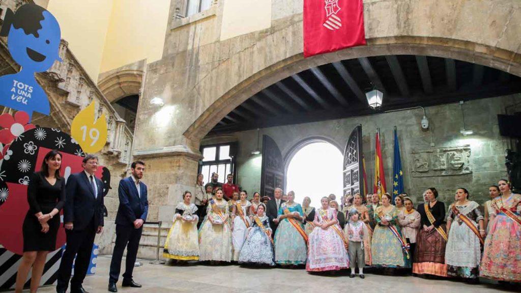 Ximo Puig, izquierda centro, recibió a los representantes de los Cevex.
