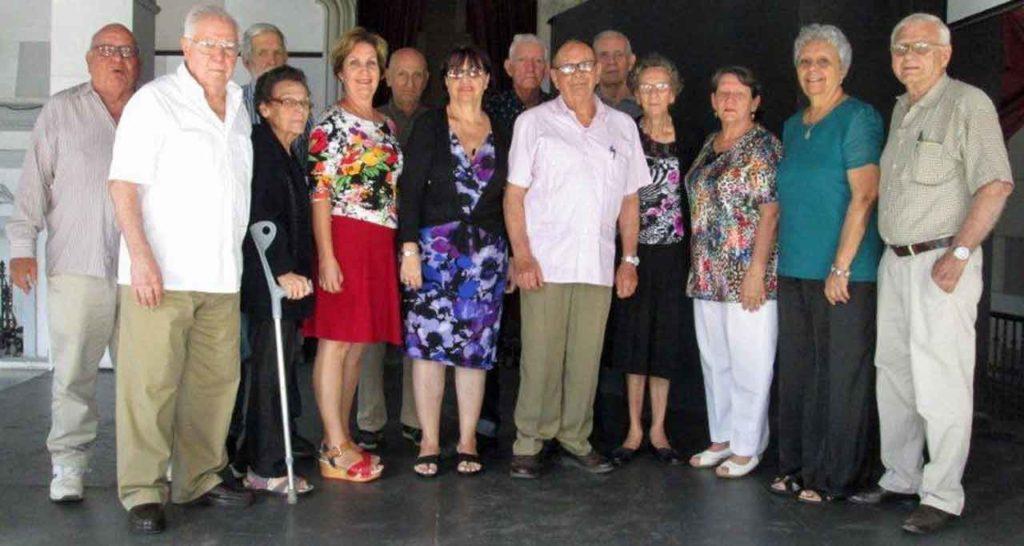 Junta Directiva de la FAAC con Longinos Valdés en el centro.