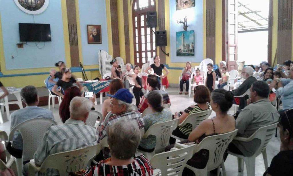 Presentación del cuerpo de baile de la entidad gallega.