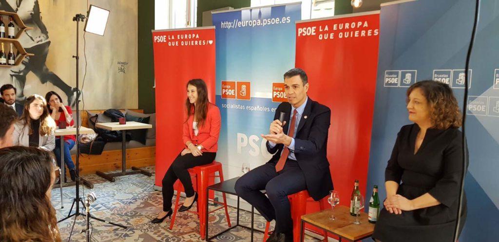 Intervención de Pedro Sánchez ante jóvenes del Partido de los Socialistas Europeos (PES) en Bruselas.