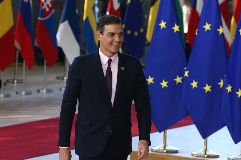 El presidente del Gobierno, Pedro Sánchez, a su llegada al edificio Europa de Bruselas para asistir a la reunión del Consejo Europeo Extraordinario sobre el brexit.